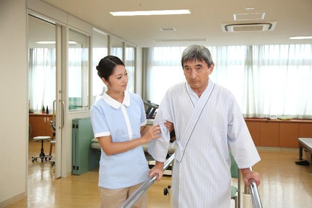 歩行訓練 介護士