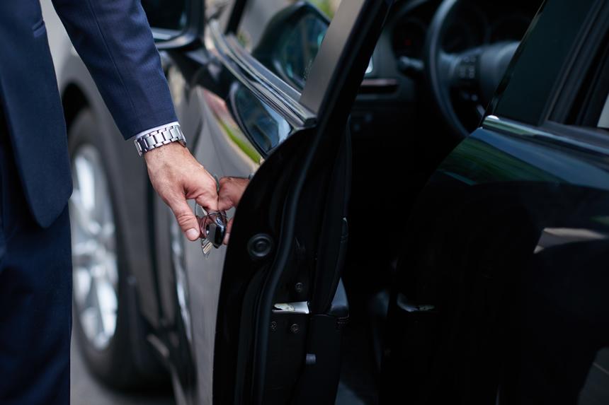 関西でタクシードライバー転職ならテク転